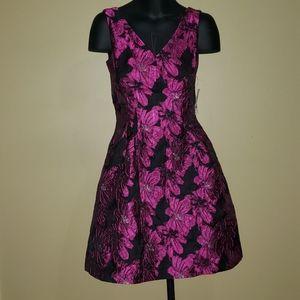 NWT Donna Ricco Flower Tapestry Dress